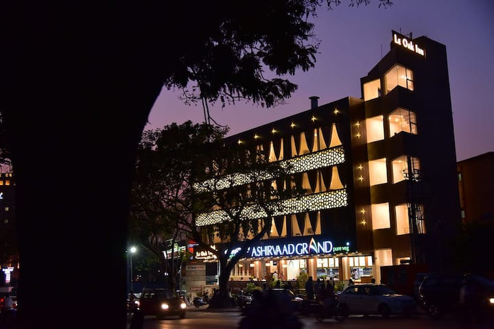 Sanitized Luxurious Rooms in Heart of Mysore