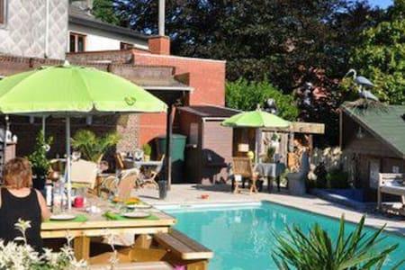 L'En Vert du Décor (Suite Hesbignonne) - Lincent - Casa de huéspedes