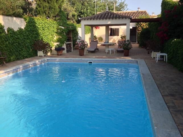 Private property with 3 houses and pool! - Loulé - Vila