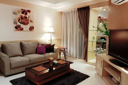Cozy 2-BR Apartment with Golf View at Kemayoran