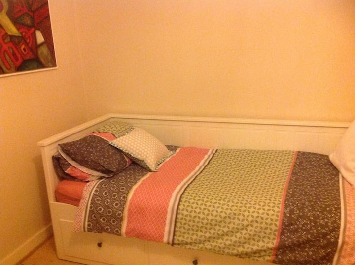 Large Room Easy access to Central London