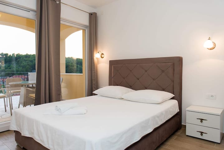 Deluxe room with a terrace**** - Skradin