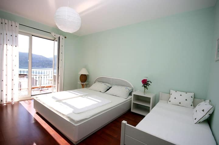 Room with balcony and sea view Slano, Dubrovnik (S-2681-a)