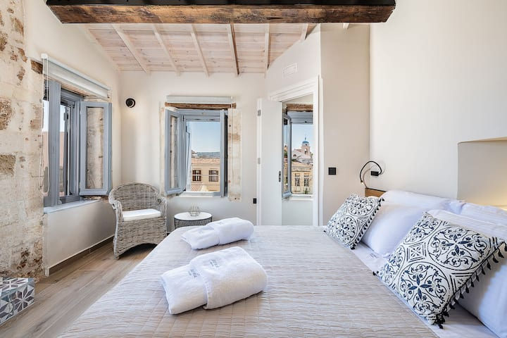 Aoria Estate Old Port - Penthouse Suite with Terrace