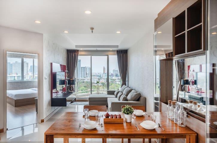 Penthouses★2Bedroom★MRT Huai Khwang★会说中文❤️
