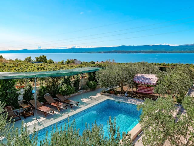 Holiday House Lucije for 7 persons in Isle of Brac
