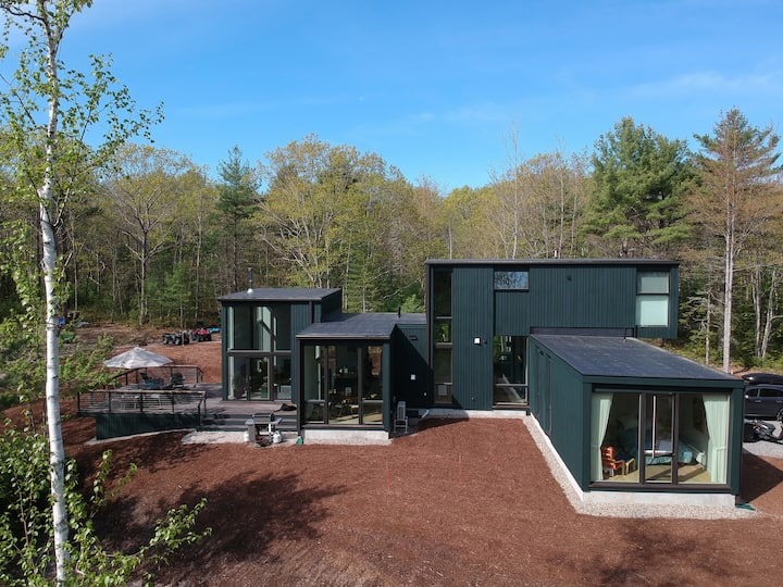 Green Camp | Modern Retreat Among The Pines