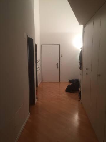 Wohnung im Grünen / Privatzimmer mit separatem Bad