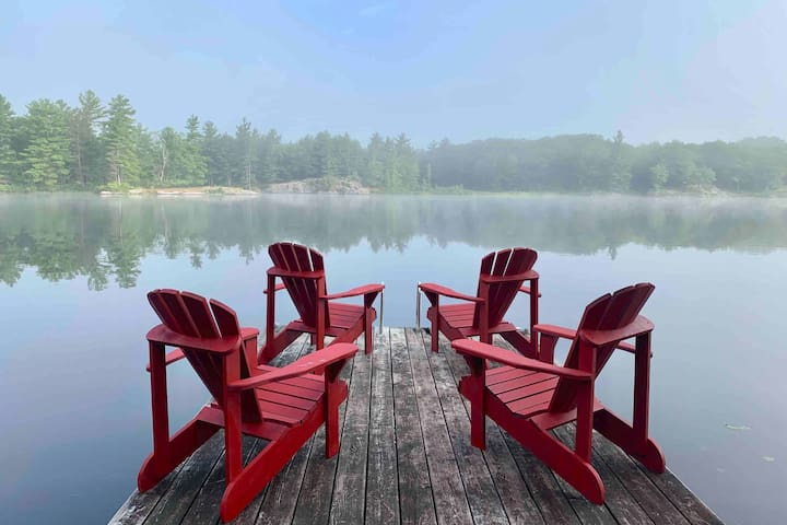 Comfy Kawarthas Cottage on Loon Call Lake