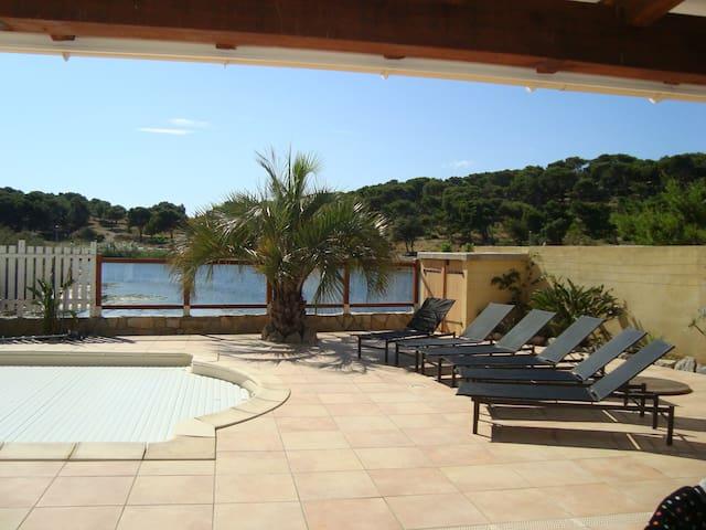 Villa  Gruissan   piscine proche centre et plage - Gruissan - Villa