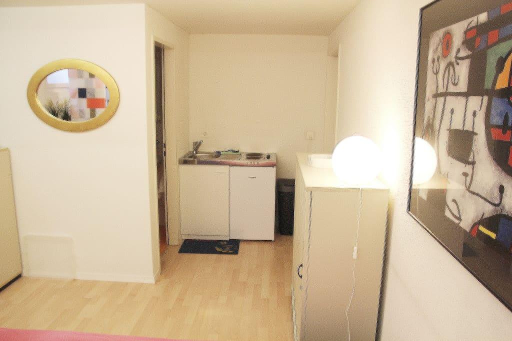 bestgelegene unabh ngige kleinwohnung in cham wohnungen zur miete in cham zug schweiz. Black Bedroom Furniture Sets. Home Design Ideas