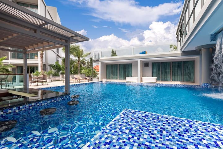Luxury Jacuzzi Studio Laguna Bangtao Beach pool