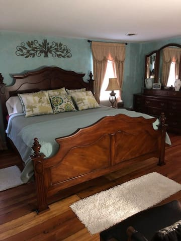Master Suite at HOME in Occoquan