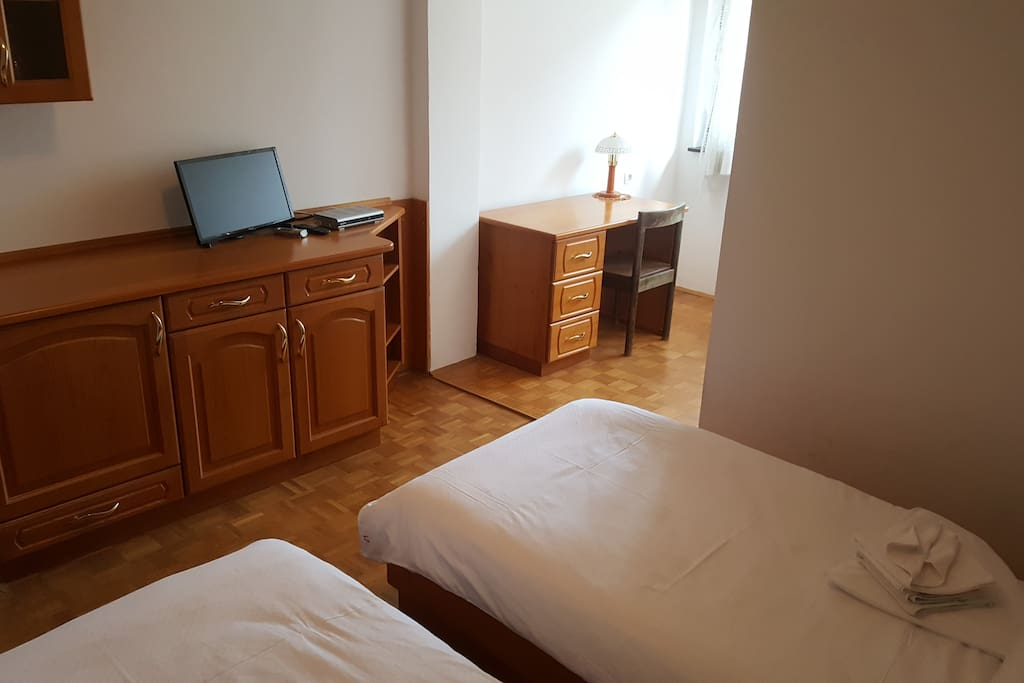 novo mesto chat rooms Find hotels in novo mesto with  check out novo mesto hotel properties using interactive tools which allow you view hotel rooms,  chat live or call 1-800-454.