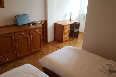 Marincic inn, room for with 3 beds - Škocjan - Bed & Breakfast