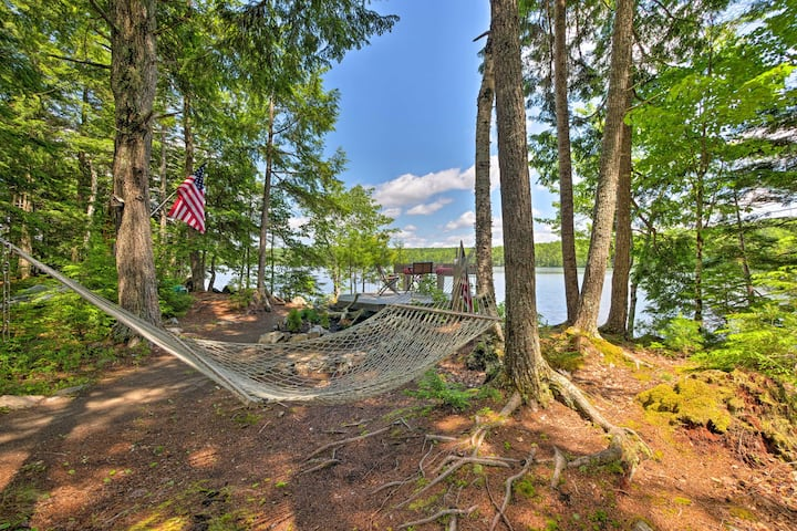 Calm Waterfront Great Pond Cottage w/Hot Tub, Deck