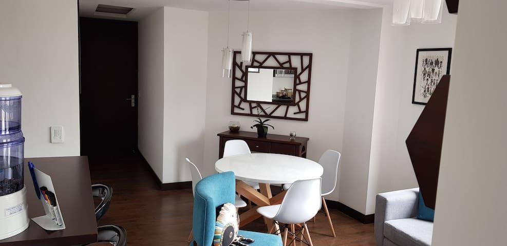 Explora Quito desde este moderno departamento!!