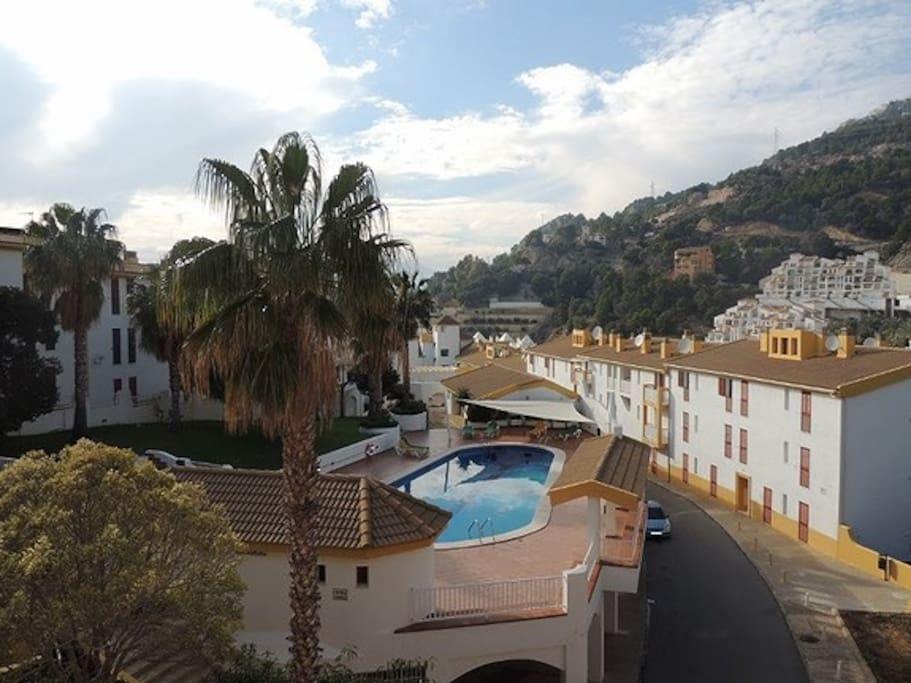 Hoved balkong og soverom 2 basseng utsikt