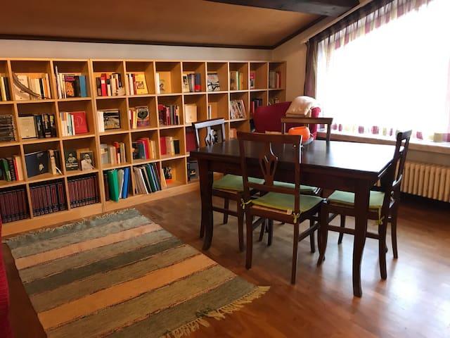 """Appartamento indipendente in villa """"Mare e Monti"""""""