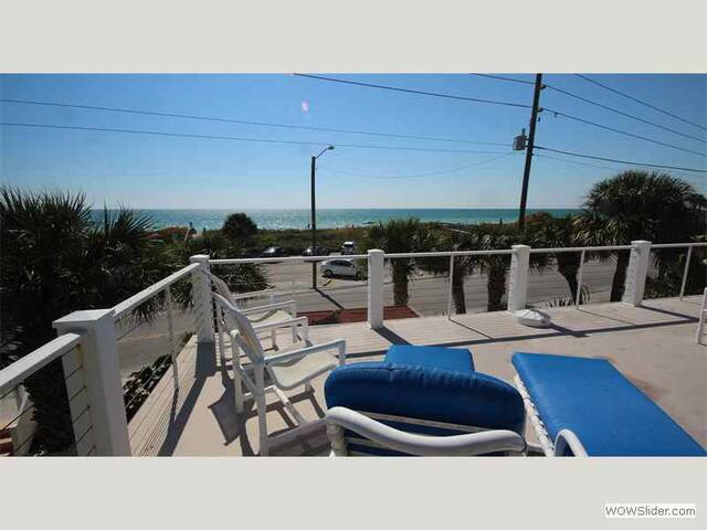 Sunset - Decadent Treasure Island Home Overlooking Beach with Private Pool and Kayaks - Treasure Island - Ev