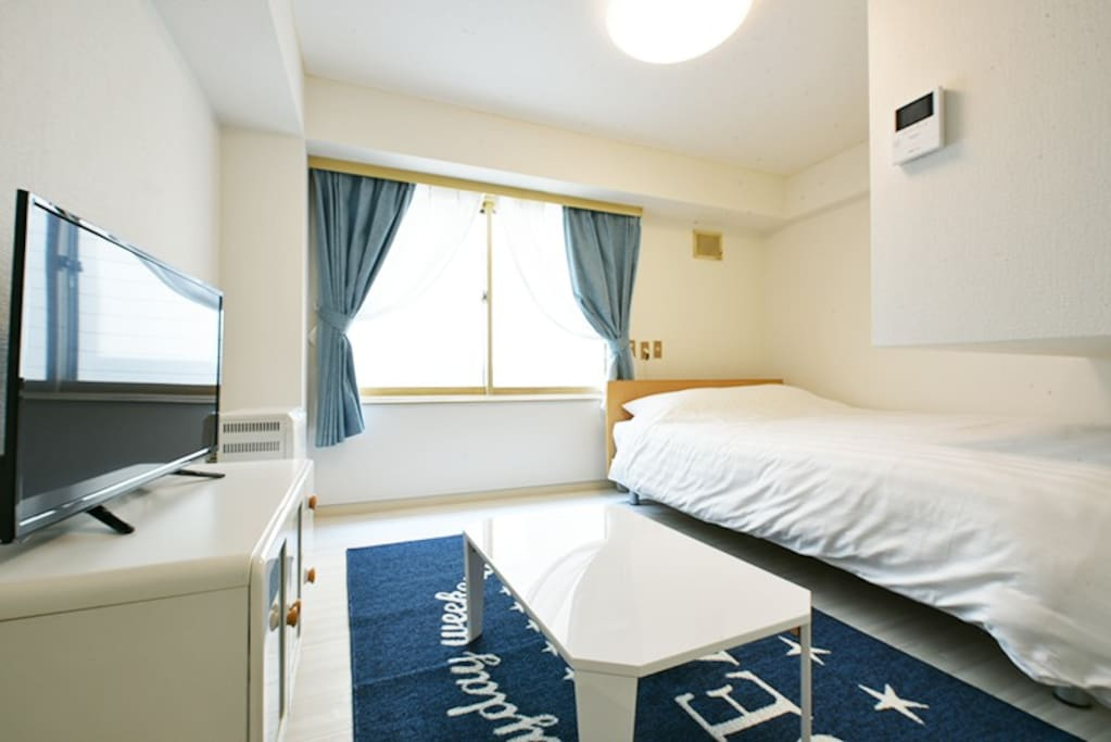 Cozy room - one double bed. 2 ppl can sleep together in the double bed