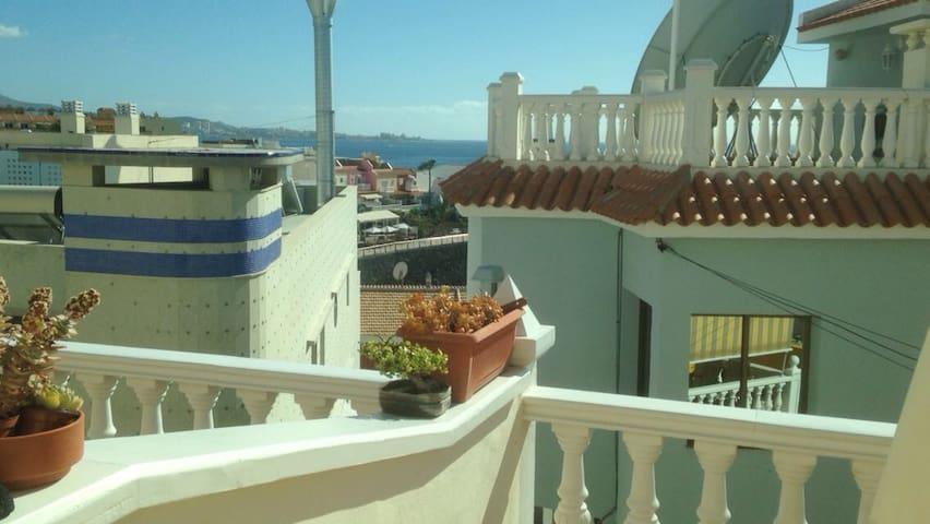 BONITO APARTAMENTO EN LA CALETA DE ADEJE AL MAR - La Caleta - Lägenhet