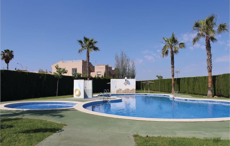 Holiday apartment with 2 bedrooms on 54m² in Torrevieja