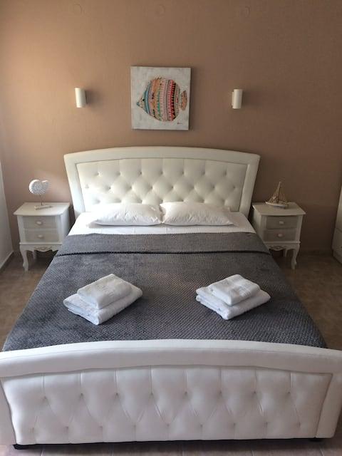 Argyrodinis Luxurious Studio I (Mesangala)