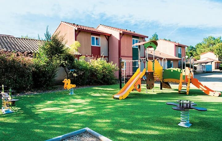 Sun Hols Villas du Lac 19 - Quality 2 Bed Villa  near French Spa capital, Dax, South West Coast, Fra