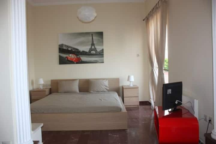 4.Benitses -Cozy apartment just 30m from the beach