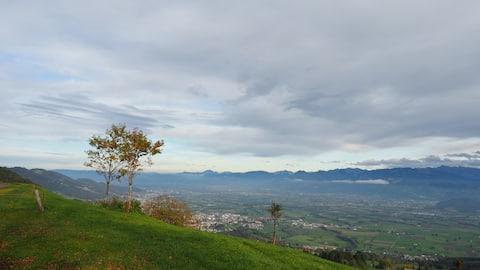 Paraíso tranquilo com vista para o Vale do Reno e para os Alpes