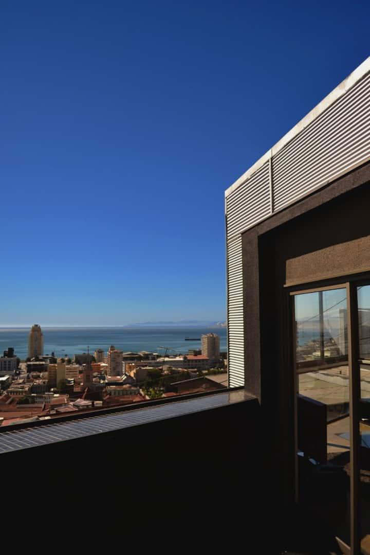 Casa moderna con hermosa vista a todo el puerto