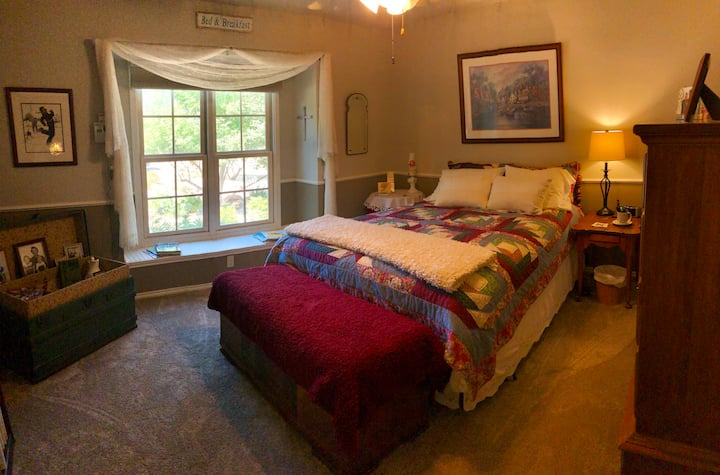 Spacious ranchstyle hosted by Sharon