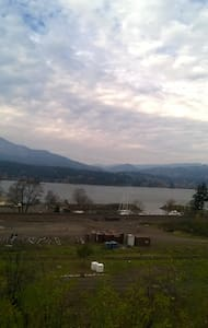 2 bed Daylight Basemnt views Columbia River - Cascade Locks