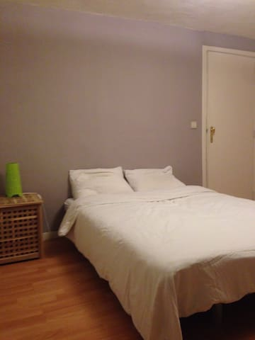 Cosy room in Mortsel, close to the city of Antwerp - Mortsel - Rumah