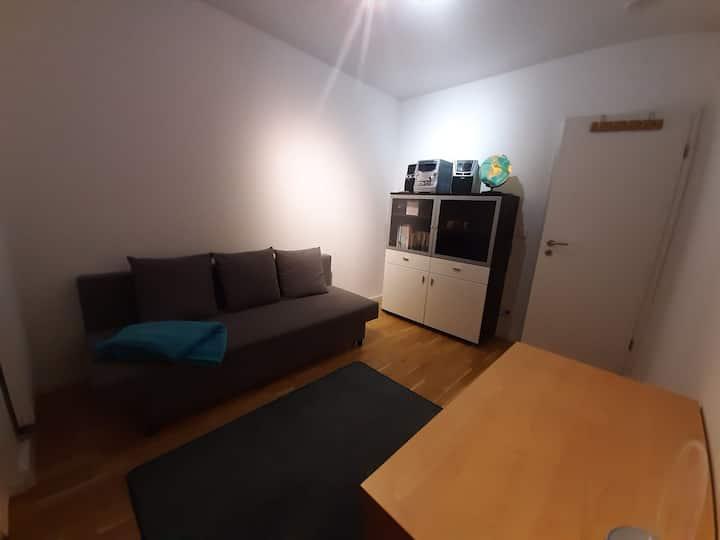 Gemütliches Zimmer mitten im Leben unserer Familie