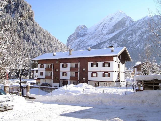 2-room apartment 40 m² Ski Area for 4 persons