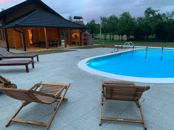 Charming wooden house with pool in Lika