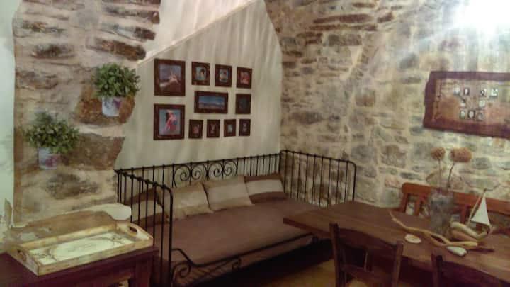 Pyrgi-Chios, Kantouni-Stone house