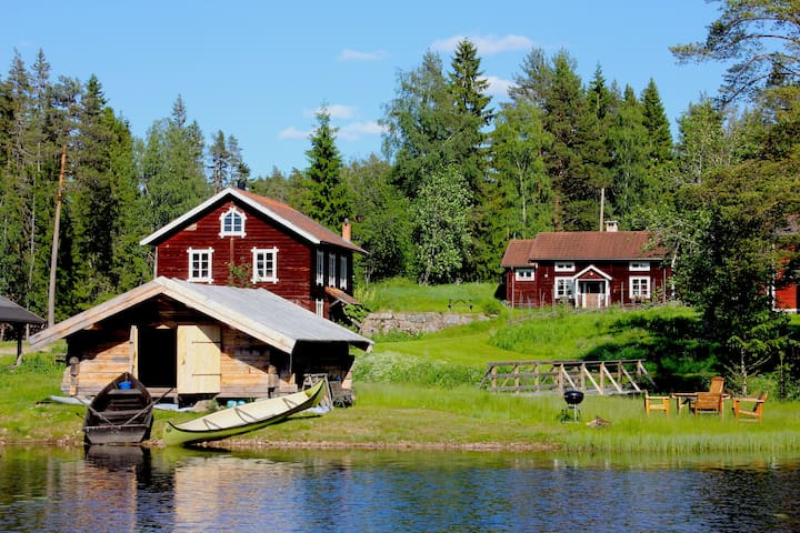 Stuga med sjötomt inkl. båt och bastu/badtunna m.m - Rättvik V - Rumah