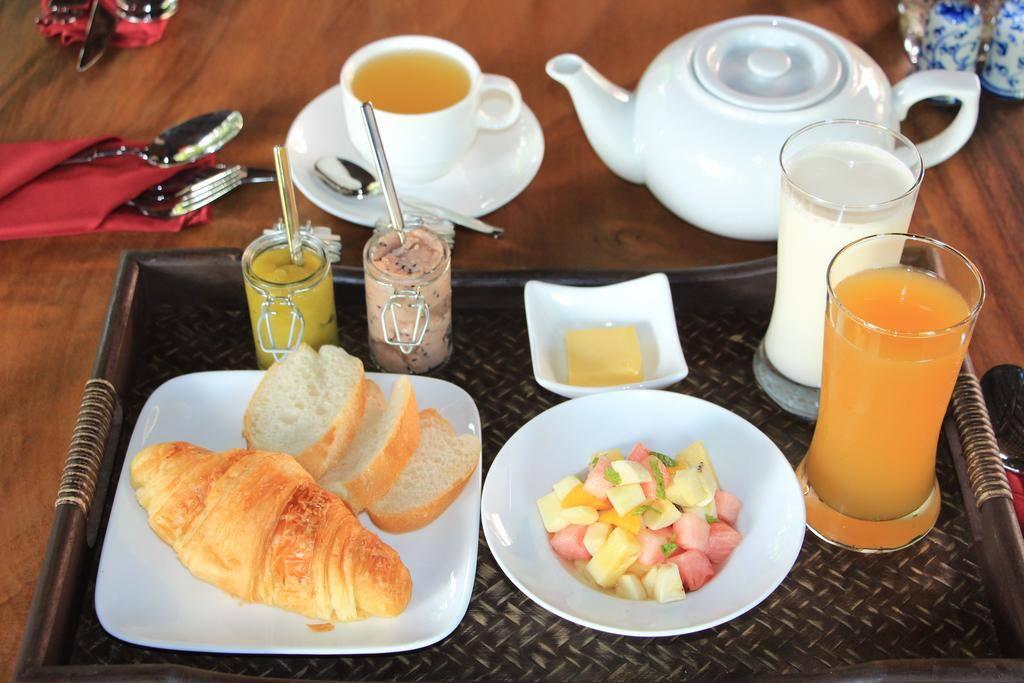 American Breakfast at Lava Restaurant