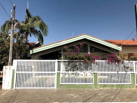 Casa terrea  150 metros da praia B. Oasis