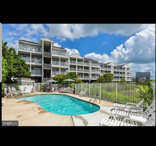 CLOSE TO CONVENTION CTR, FAGERS ISLAND & SEACRETS
