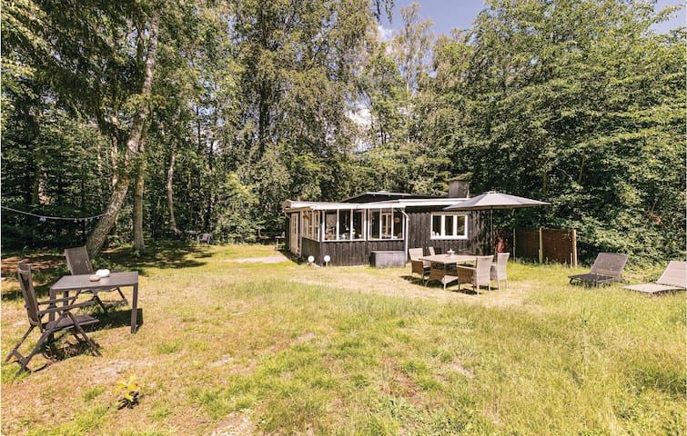 Holiday cottage with 2 bedrooms on 50m² in Rønne