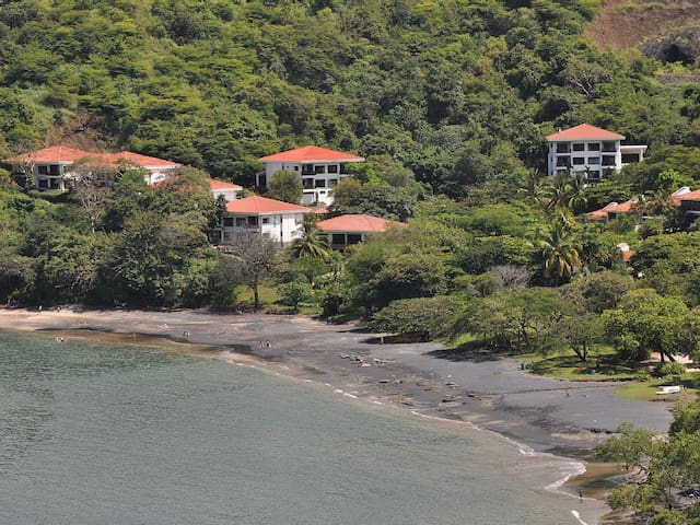 Beachfront Condo, Ocean View, Excellent Snorkeling