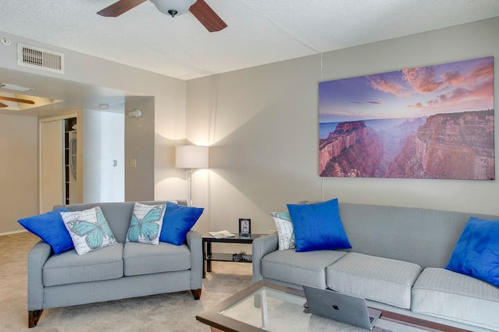 Chic and Charming 1BR Getaway in Scottsdale!
