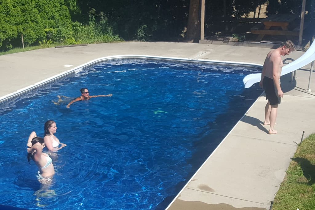 Swimming Pool Level : Huge level swimming pool hottub houses for rent in