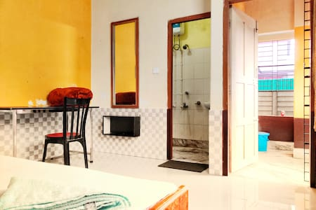 2) UShashee-- for 2 guests 1 room 2 single beds
