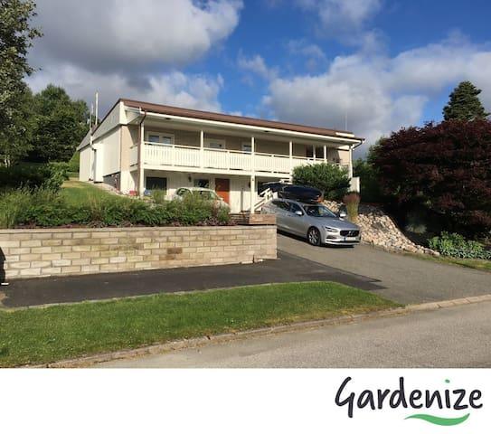 Stor villa i Kungsbacka  25min från Göteborg