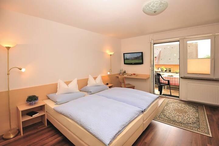 Hotel Pension Heidi, (Dobel), Doppelzimmer mit Dusche/Bad